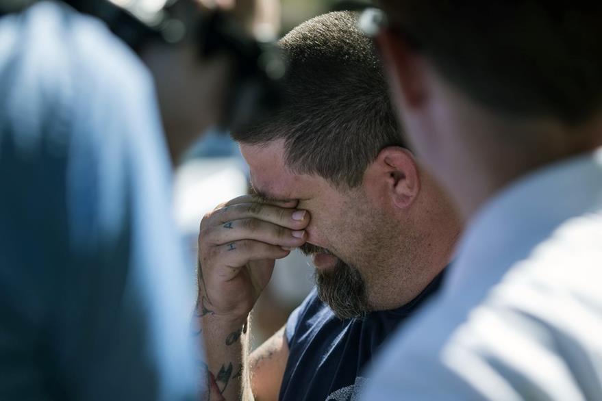 """Jeremy Bush, hermano de Jeffrey Bush , quien en 2013 fue """"tragado"""" por el agujero. (Foto Prensa Libre: AP)."""