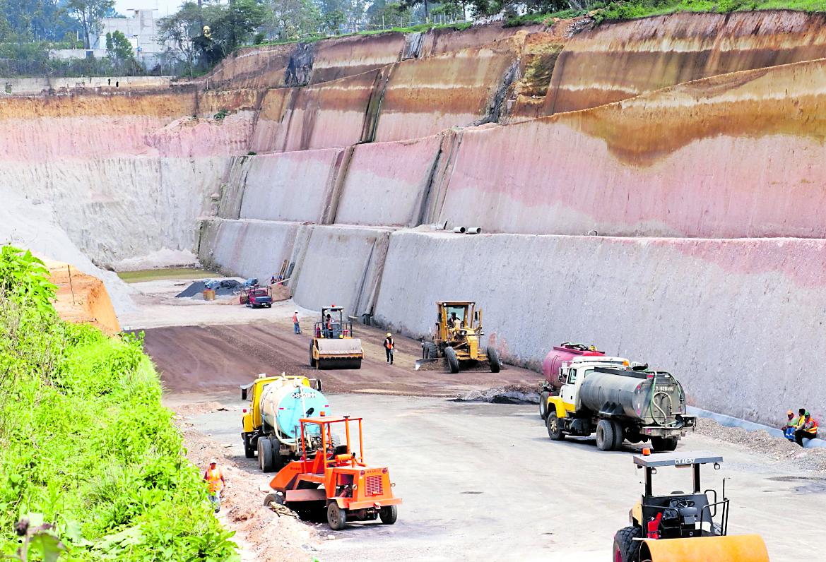 Hasta julio de este año, el Ejecutivo estimaba que la obra tenía un avance de 45 por ciento. (Foto Prensa Libre: Hemeroteca PL)