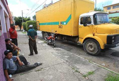 Pilotos recolectores de basura empiezan a ser blanco de ataques armados y de extorsión.