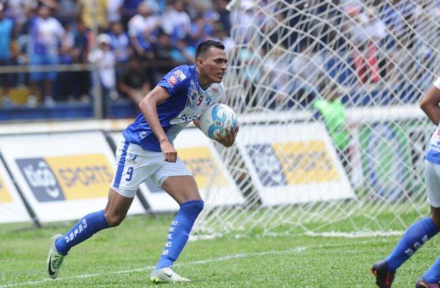 Gerson Tinoco será determinante para que Suchitepéquez busque las anotaciones frente a los rojos. (Foto Prensa Libre: Hemeroteca PL)