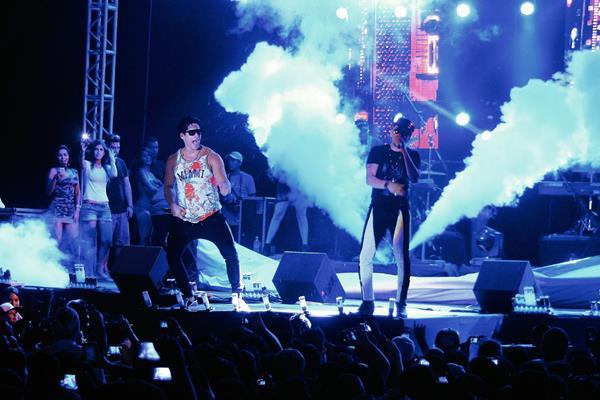 El dúo venezolano Chino y Nacho se presentó en el Puerto de San José en el concierto ofrecido el Jueves Santo. (Foto: Prensa Libre Enrique Paredes).
