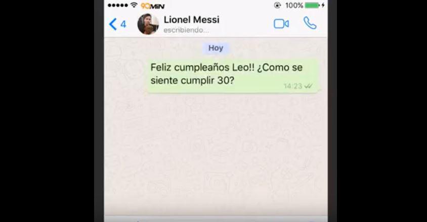 Aunque el saludo de Cristiano a Messi que se muestra en el vídeo es una parodia, se viralizó. (Foto Prensa Libre: Twitter)