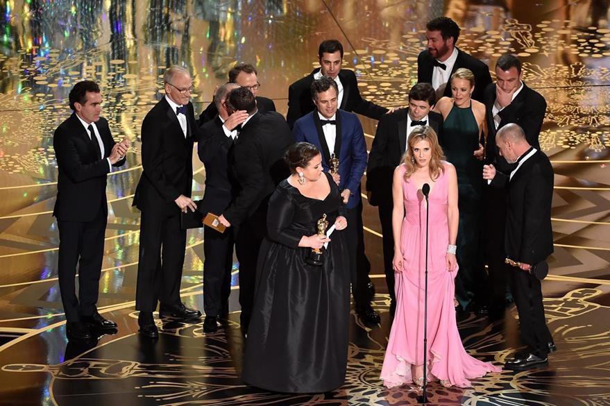 El elenco de Spotlight obtuvo el premio a mejor película. (Foto Prensa Libre: AFP)