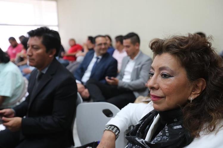 Anabella de León asiste al día de debate en su contra por el botín en el Registro de la Propiedad. (Foto Prensa Libre: Erick Avila)