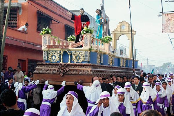 Imagen de Jesús Nazareno recorre la ciudad de Escuintla. (Foto Prensa Libre: Melvin Sandoval)