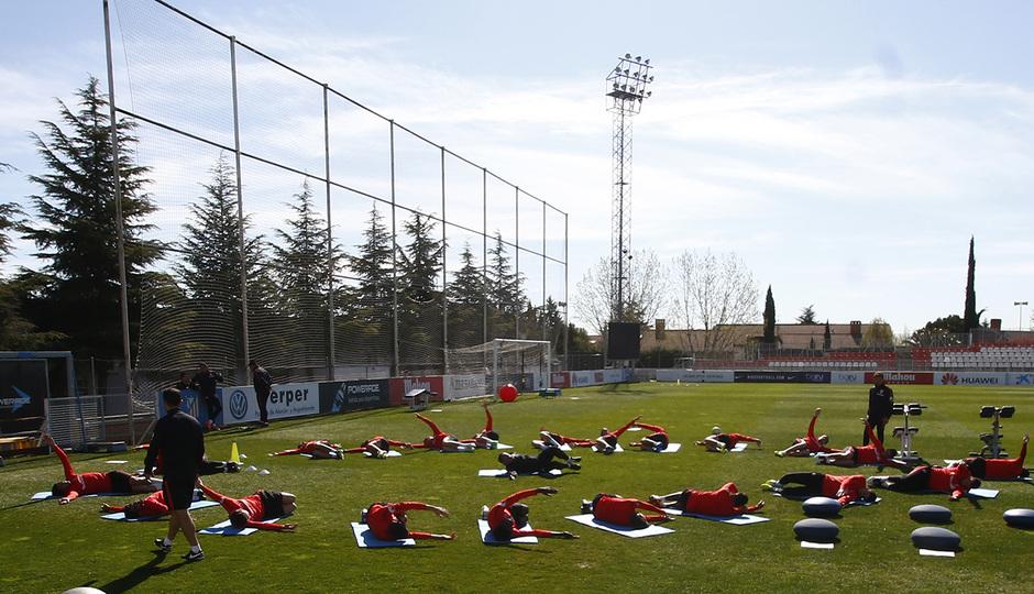 El Atlético de Madrid retomó el trabajo con miras al partido de visita contra el Espanyol. (Foto Prensa Libre: Atlético de Madrid)