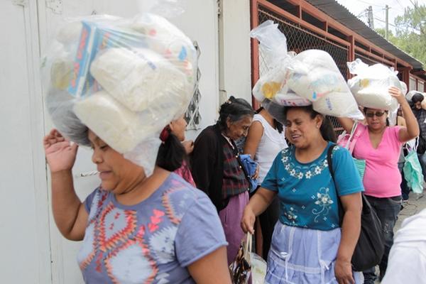 Según la viceministra, este año entregaron 268 mil raciones de alimentos. (Foto Prensa Libre: Hemeroteca PL)
