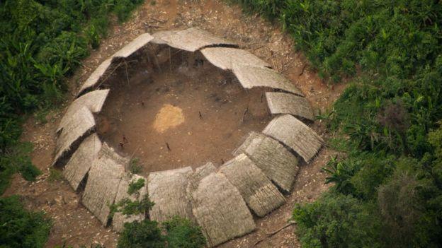 La existencia de estas 17 familias está amenazada por la actividad ilegal minera. © GUILHERME GNIPPER TREVISAN/HUTUKARA