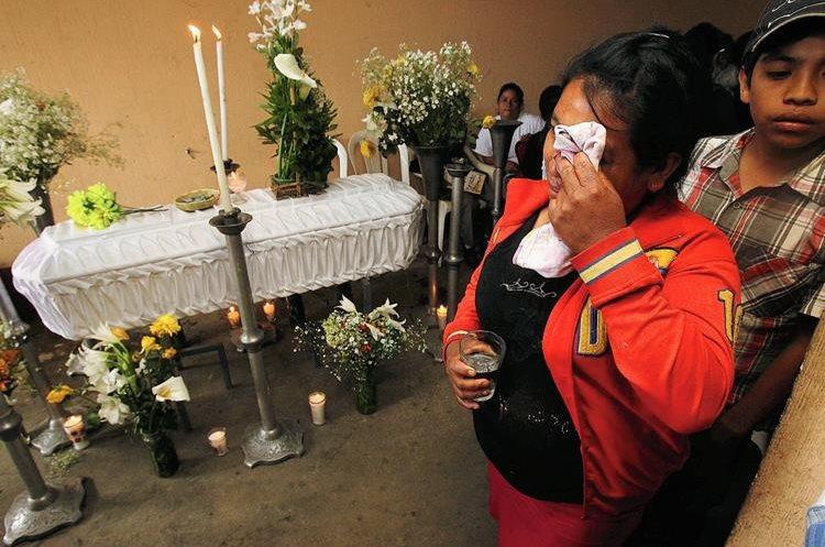 El velatorio del menor se realizó en Fraijanes con la ayuda de vecinos( Foto Prensa Libre: hemeroteca PL)