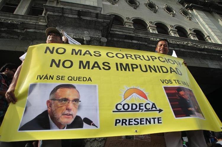 Integrantes de CODECA manifiestan su apoyo al jefe de la Cicig.