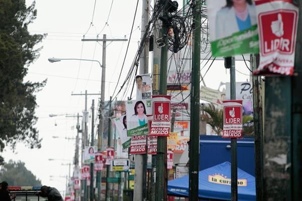 Informe involucra a cuatro partidos políticos en gastos millonarios en campaña electoral anticipada. (Foto Prensa Libre)