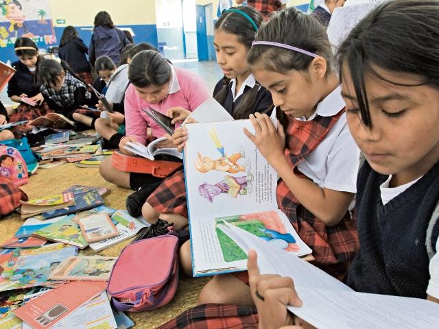 Niños y adultos podrán compartir el hábito de la lectura. (Foto Prensa Libre: Hemeroteca PL)