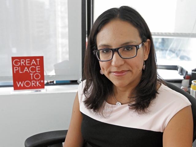 Rosemarie Espinoza, cooridandora de talento humano de la multinacional Ernst & Young.