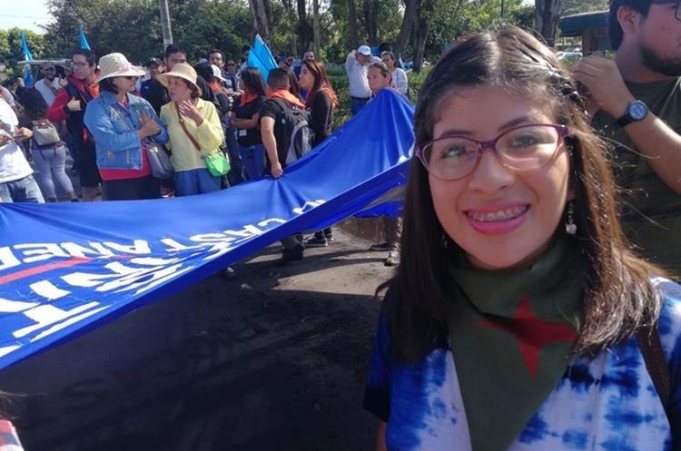 La secretaria de la AEU, Lenina García, indica que la marcha será pacífica y buscará llegar a la Plaza de la Constitución.