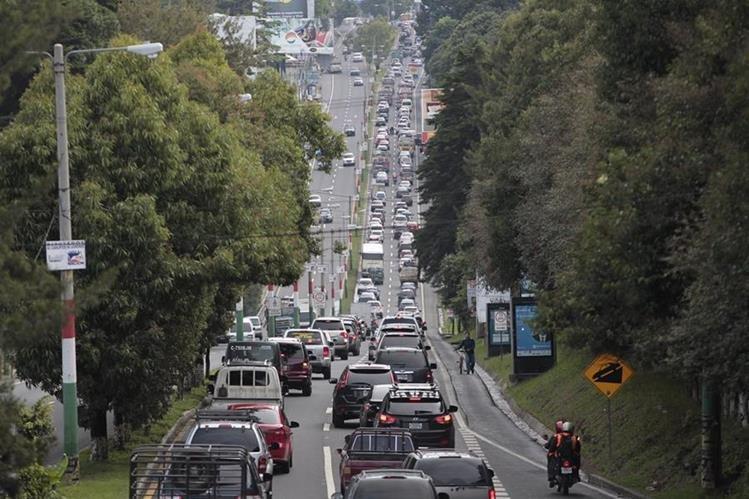 Los guatemaltecos aprovechan el asueto para viajar al interior del país. (Foto Prensa Libre: Hemeroteca PL)