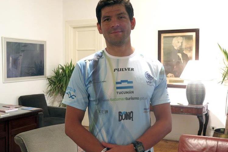 El nadador argentino Matías Ola, se siente satisfecho tras alcanzar su sueño de nadar los cinco continentes del planeta. (Foto Prensa Libre: EFE)