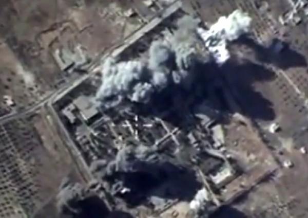 """Una <span class=""""hps"""">explosiín</span> <span class=""""hps"""">tras</span> <span class=""""hps"""">los ataques aéreos</span> rusos contra EI en Siria."""