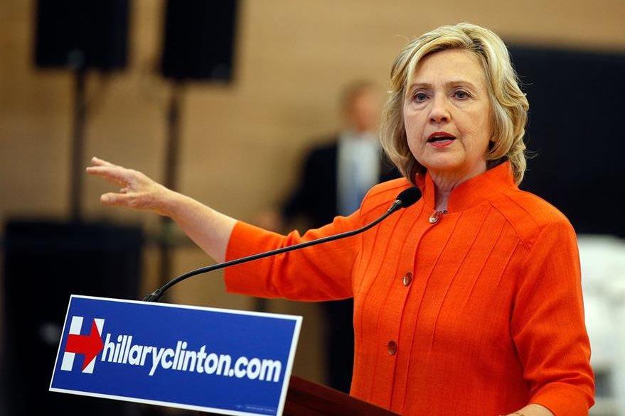 Hillary Clinton, la favorita para ganar las primarias demócratas, podría verse afectada si Biden oficializa su candidatura. (Foto Prensa Libre: AFP).
