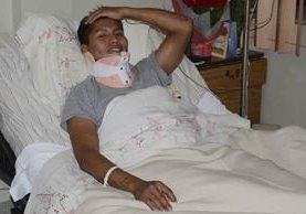 Erwin Tumiri, uno de los sobrevivientes aportó más detalles del siniestro en el que murieron 71 personas. (Foto Prensa Libre: AP).