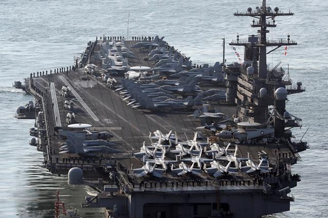 El portaaviones Carl Vinson habría llegado a la península coreana. (Foto Prensa Libre: AP)