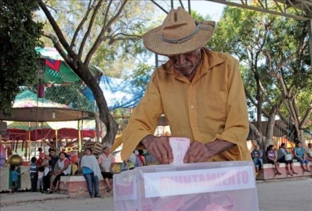 Elecciones en el municipio mexicano de Tixtla. (Foto Prensa Libre: EFE)