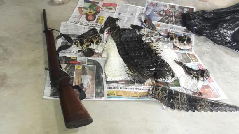 Artículos decomisados a dos detenidos en el Parque Nacional Lachuá. (Foto Prensa Libre: MP)