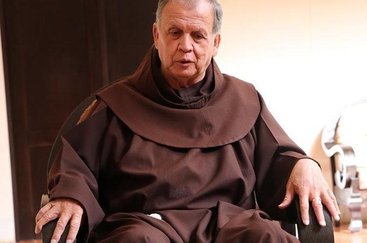 Fray Guillermo Bonilla, fundador de las Obras Sociales del Santo Hermano Pedro, permaneció por 14 años al frente de la organización. (Foto Prensa Libre: Julio Sicán)