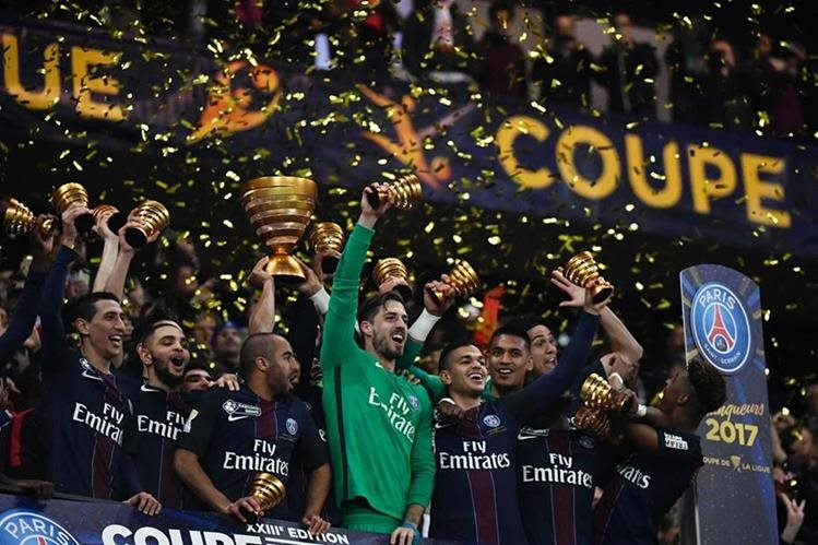 Así festejaron los jugadores del PSG. (Foto Prensa Libre: AFP)