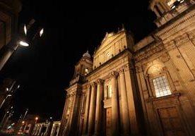 La cúpula, campanarios, fachada y alrededores lucen su esplendor