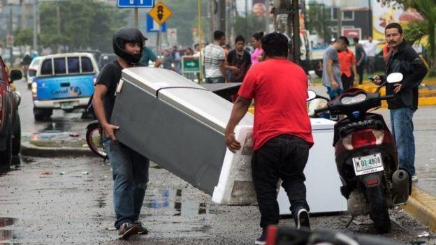 El país experimentó saqueos en medio de la incertidumbre por las demoras en el resultado de las elecciones presidenciales. (AFP).