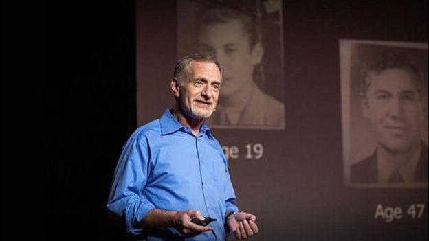 """Robert Waldinger es el cuarto director del estudio sobre desarrollo adulto de Harvard que comenzó hace más de siete décadas, """"el estudio más prolongado sobre la felicidad"""". (Foto, Robert Waldinger)"""