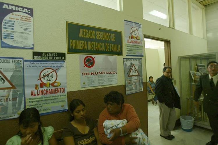 Para muchas mamás, lograr una pensión alimenticia no es nada sencillo. (Foto Prensa Libre: Hemeroteca PL)