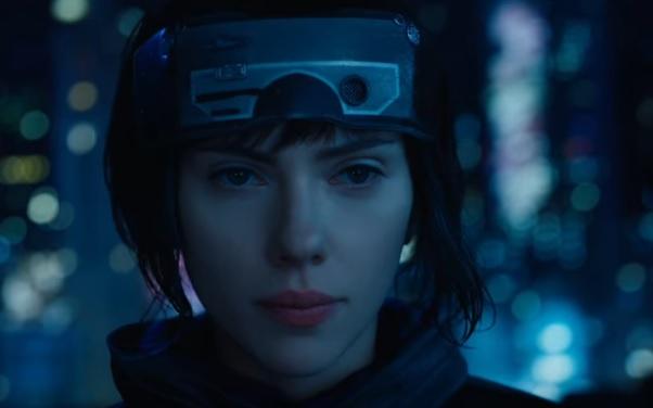La actriz Scarlett Johansson encarna a una un cyborg.(Foto Prensa Libre: YouTube)