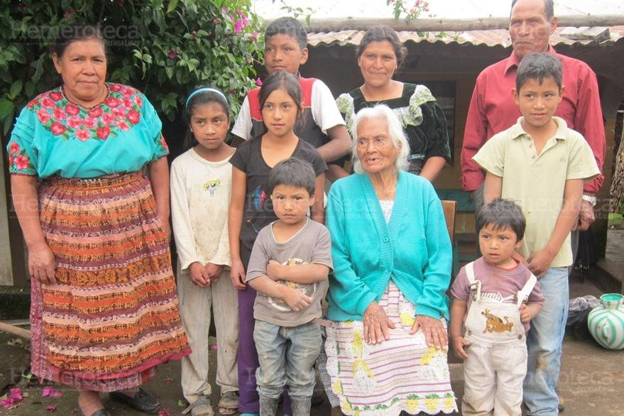 05/05/2013. Abuelas madres. (Foto: Hemeroteca PL)