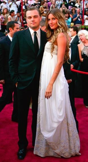 Gisele Bündchen en el año 2005 acompañó al que, por entonces, era su pareja a la ceremonia de los Oscars y no pasó desapercibida. Para la ocasión escogió un vestido de escote palabra de honor, falda de línea globo y bordados en el pecho, un diseño de Alta Costura de Dior.