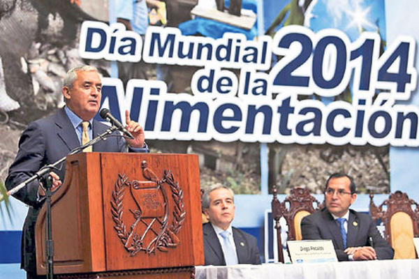 <p>En conmemoración del Día Mundial de la Alimentación, el presidente Otto Pérez Molina y otros funcionarios ofrecieron intensificar las acciones para combatir la desnutrición y el hambre, al tiempo que enumeraron avances. <br></p>
