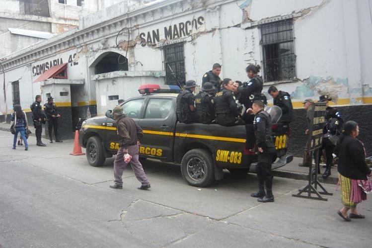 Movilización policíaca en San Marcos con motivo de la vuelta electoral. (Foto Prensa Libre: Genner Guzmán)