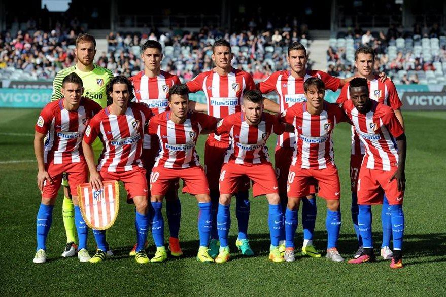 Diego Simeone le dio oportunidad a los jugadores de la cantera. (Foto Prensa Libre: EFE)