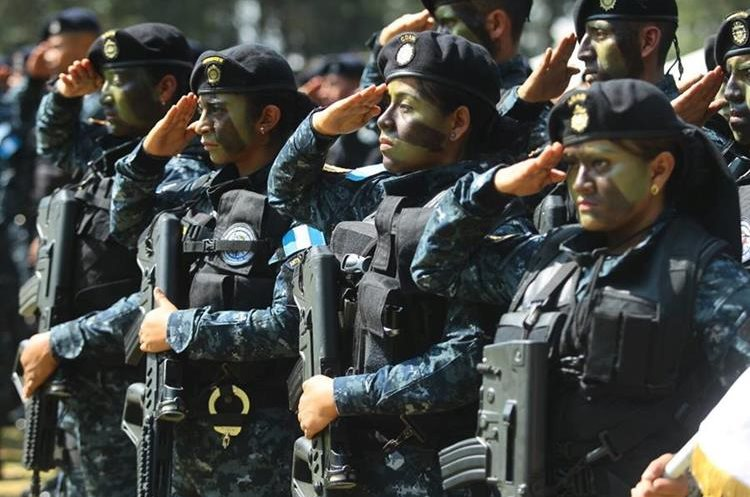 De acuerdo con los diputados, los agentes destituidos podrían buscar la reinstalación de sus cargos. (Foto Prensa Libre: Hemeroteca PL)