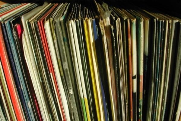 <p>En 1980 la colección contaba con 400 discos de vinil. (Foto Prensa Libre: Archivo)<br></p>