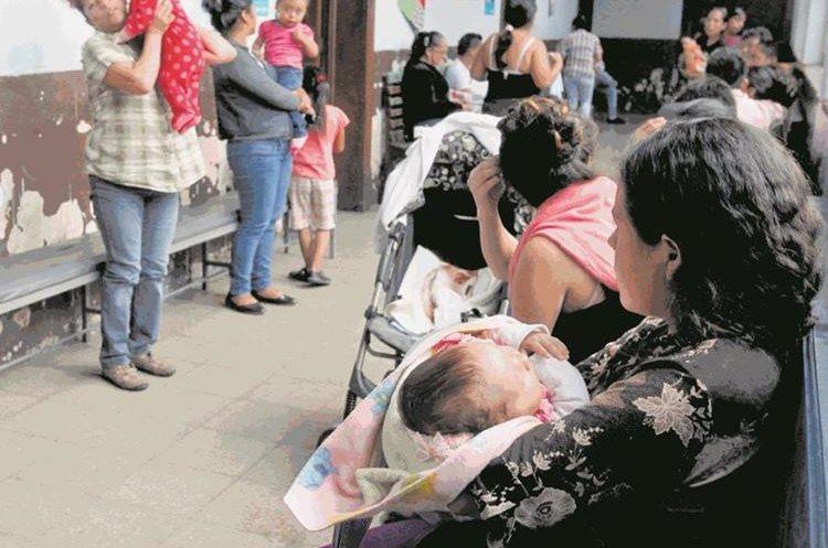 El informe Situación Actual de la Ventana de los Mil Días detectó que algunas madres que se acercaron a recibir tratamiento, afrontaron problemas para entender las instrucciones del personal. (Foto: Hemeroteca PL)
