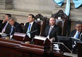 Sesión solemne donde participó el presidente Jimmy Morales y donde tomó la presidencia del Congreso Álvaro Arzú Escobar.