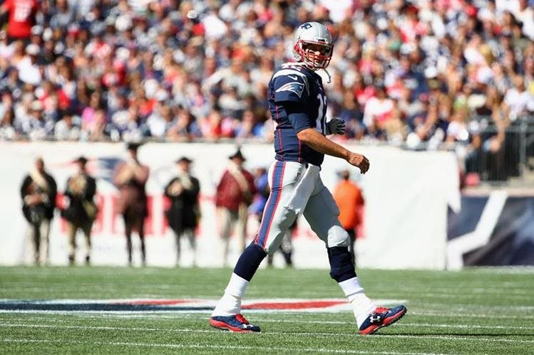 Pese a la resolución del juez, la polémica con Tom Brady y el Deflategate continúa. (Foto Prensa Libre: AFP)