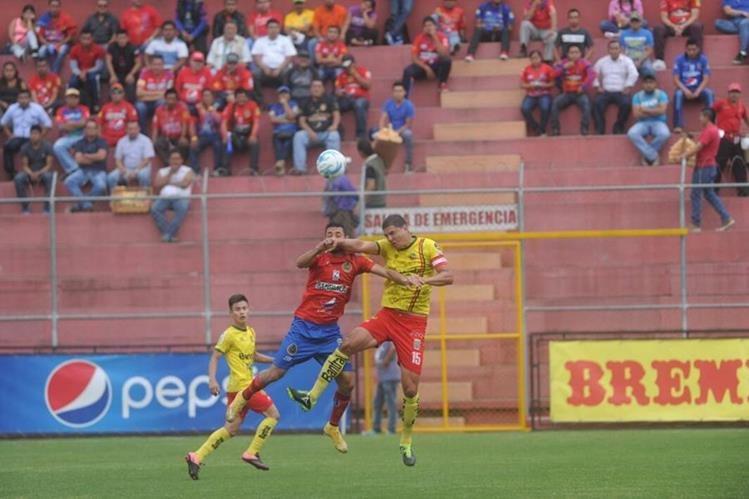 Los goles le hicieron falta a Municipal y al final se tuvo que conformar con el empate. (Foto Prensa Libre: Edwin Fajardo)