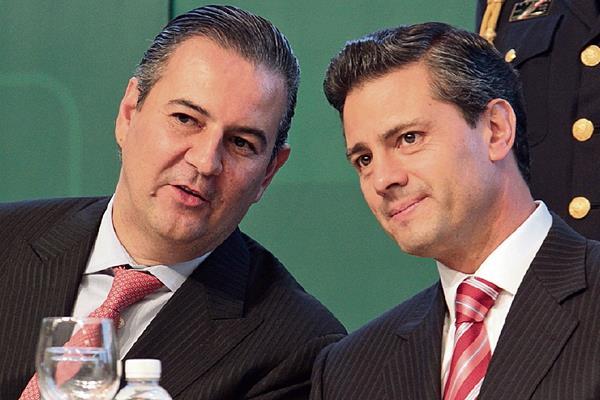 gerardo gutiérrez Candiani, presidente del Consejo Coordinador Empresarial de México, con el presidente de la República, Enrique Peña Nieto.