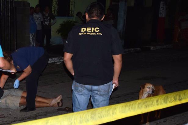 Miguel Ángel García murió en el ataque armado en el Puerto San José. (Fotos Prensa Libre: Carlos Paredes)