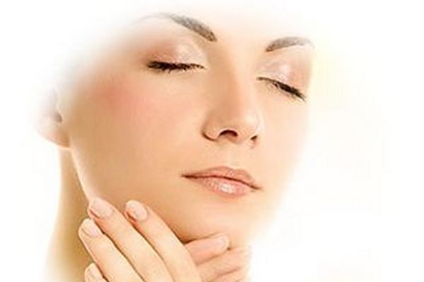 <p>La piel necesita cuidado e hidratación</p>