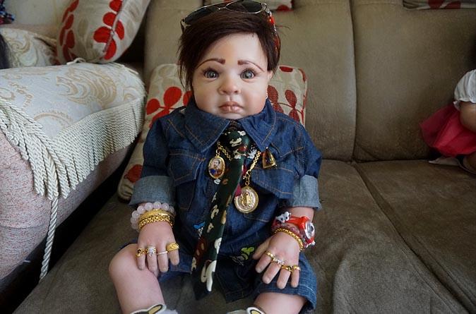 Petch, el primer muñeco creado por Ning. (Foto Prensa Libre: Bangkok.coconuts.com)