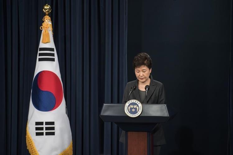 Park Geun-hye, presidenta de Corea del Sur, es vinculada a caso de corrupción. (Foto Prensa Libre: AFP)