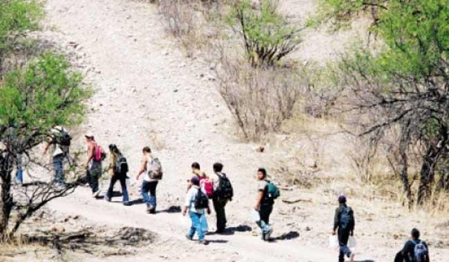 El 99 por ciento de los migranteys guatemaltecos viaja hacia Estados Unidos por el desierto. (Foto Prensa Libre: Hemeroteca PL)